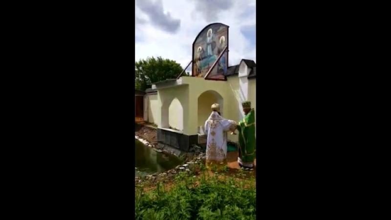 РПАЦ. Освящение иконы во дворе храма св. Бл. Ксении Петербургской.