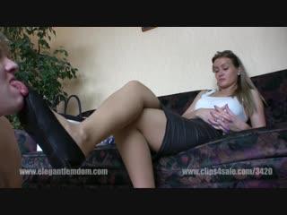 Госпожа заставила нюхать ее туфли, лучшие колготки порно