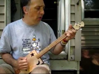 How to Play Cigar Box Guitar using simple chords # 1: Bob Dylan, Blowin' In The Wind