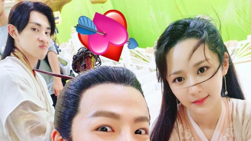 Ảnh Selfie Của Dàn Diễn Viên Trong Hương Mật Tựa Khói Sương
