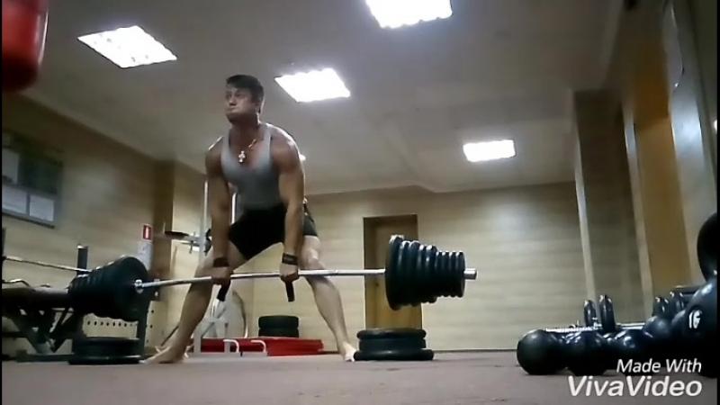.. Dead lift.. Тяга в 200 кг. После лёгкой операции.