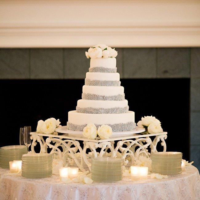 d0PPqW Bagc - Золотые и серебряные свадебные торты 2016 (70 фото)