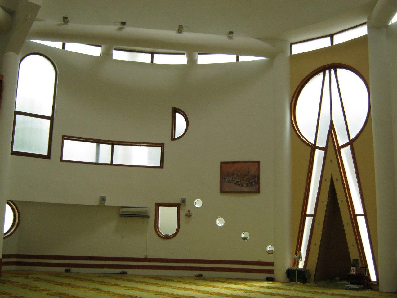 Внутри мечети-планетарии