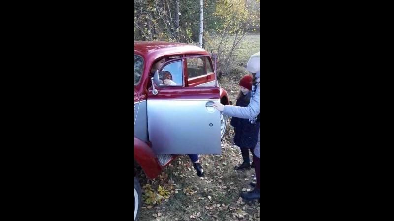 Бекстейдж фотопроекта с ретро автомобилем