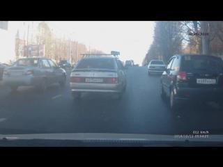 Что хотел показать водитель Лады когда дергал руль то в одну то в другую сторону?