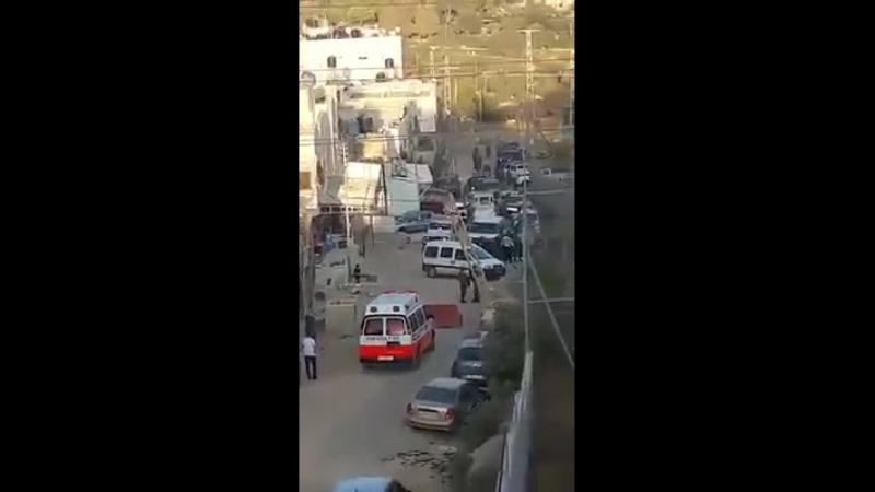 IOF shot a Palestinian youth, left him bleeding to death and prevented the ambulance from reaching the young man 😐😐