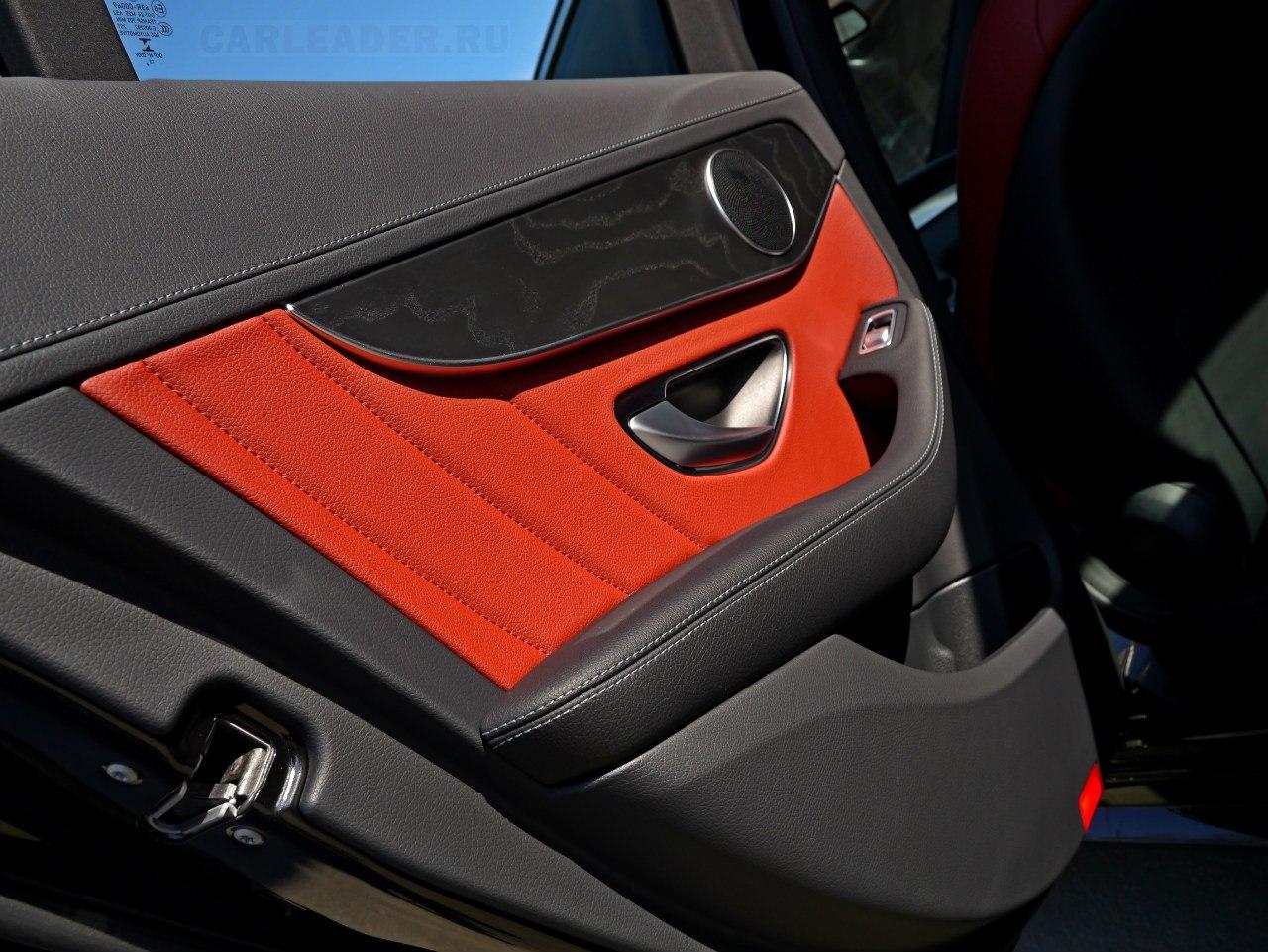 Car Leader высоко ценит обшивки дверей Mercedes-Benz. Это искусство!