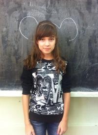 Надя Наумова