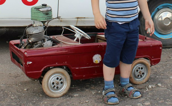 Машинка для ребенка с мотором своими руками