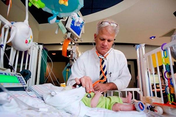 Красочные интерьеры детских больниц 30yKCS0gFtw