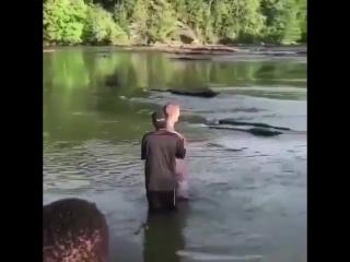 Vídeo de Justin Bieber e Hailey Baldwin em Atlanta, Geórgia.
