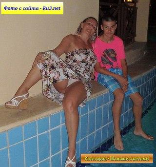 реальные мама с дочкой порно
