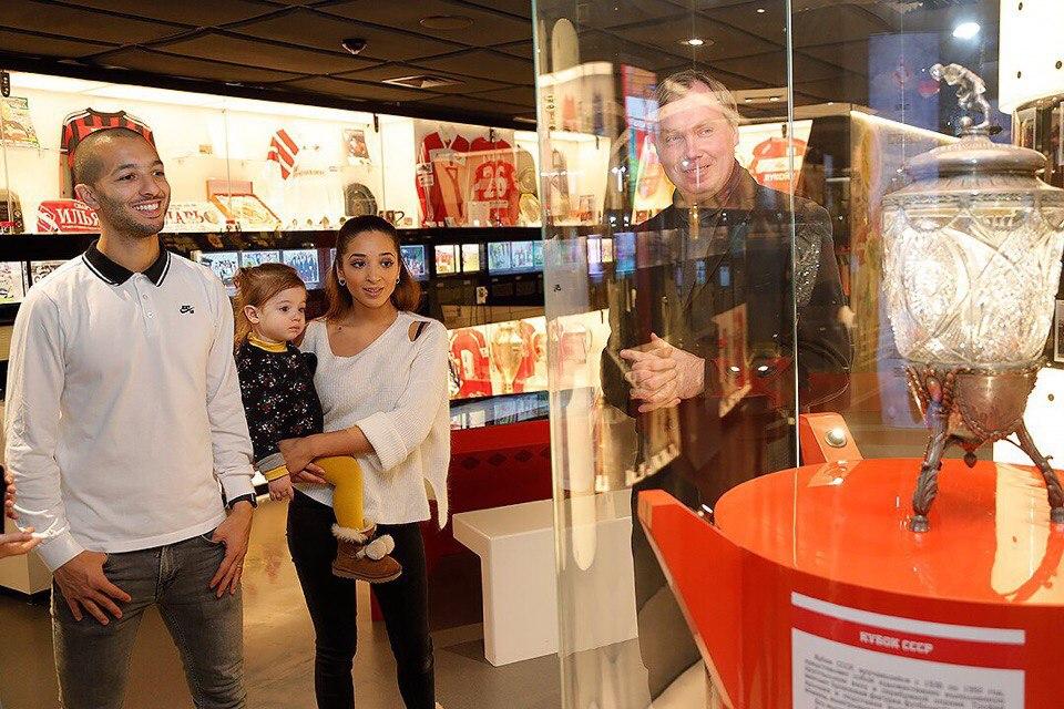 Ханни с семьей посетил музей «Спартака»