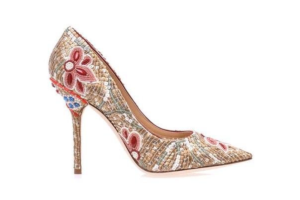 Планируете приобрести туфельки от Dolce & Gabbana? Не забудьте подобрать к ним роскошный образ на LOOKSIMA.ru