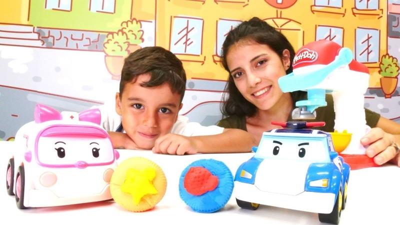 Robocar Poli ve Amber için oyun hamurundan kurabiye. Play Doh mikseri