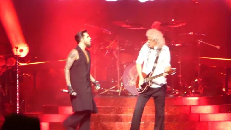 VEGAS8 Queen Adam Lambert - Another One Bites The Dust @ Park Theater LV 201809