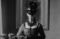Кристиан и никто. .  Dior Glamour 1952-1962: особый взгляд в мир Christian Dior.