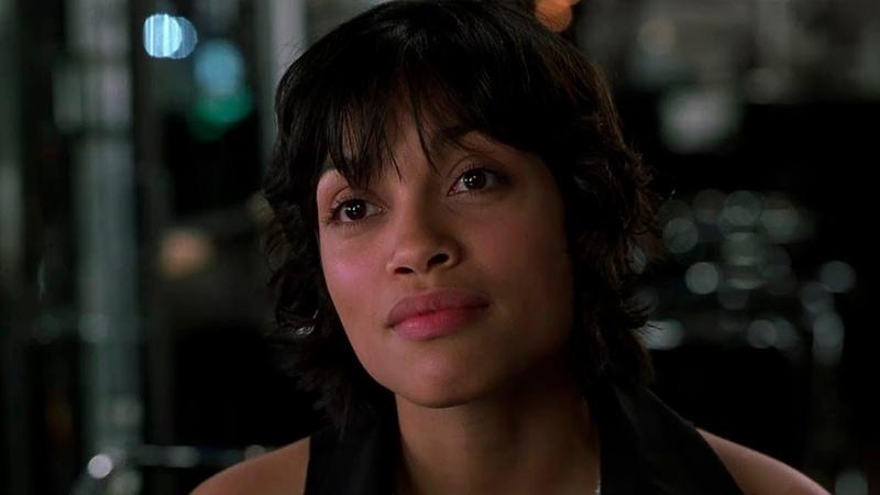 Джей и Кей убивают Серлину. Лора Васкес улетает домой | Люди в чёрном 2 — 2002