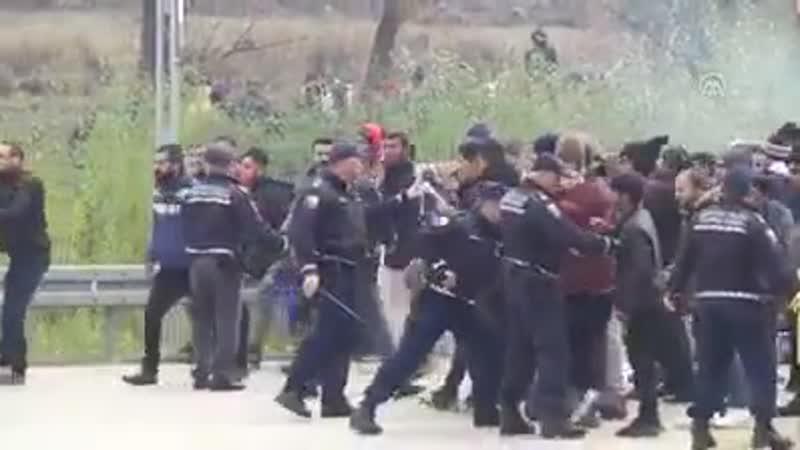 Dramatische Szenen von der Grenze von Bosnien Herzegowina und Kroatien