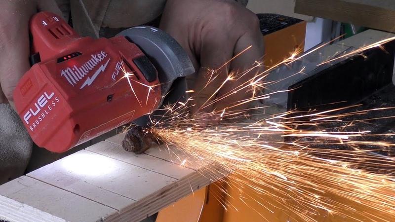 Отрезная машинка Milwaukee 2522-20 Cut Off Tool.