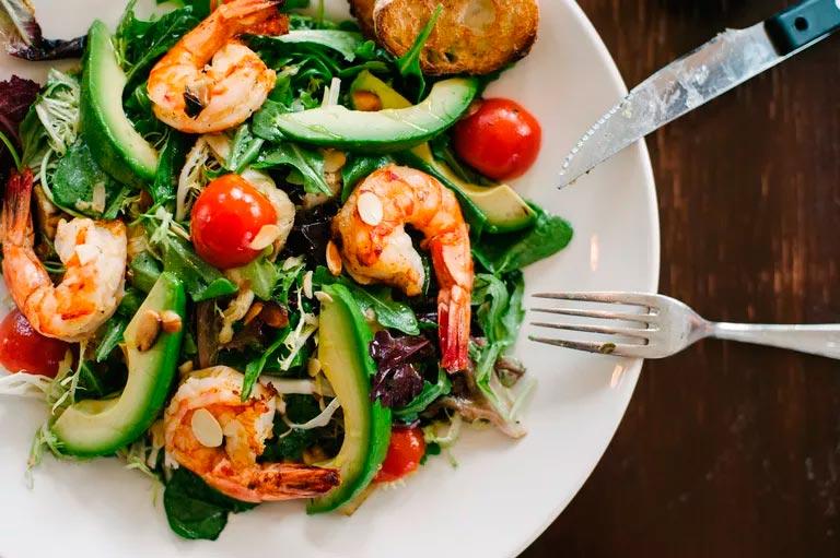 Что заказать во время ужина на диете