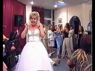 Кто Поймает Букет от Невесты? Свадебные Приколы!