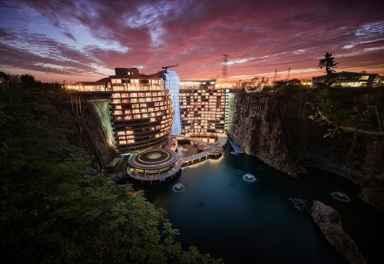 Близ Шанхая открылся отель в карьере
