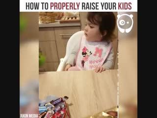 Девочка не любит сладкое