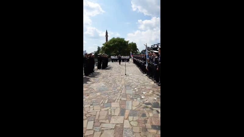 Церемония поднятия флага подразделений береговой охраны Пограничной службы ФСБ РФ на патрульном катере «Шмель»