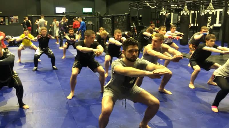 Александр Саночкин- тренировка по тайскому боксу