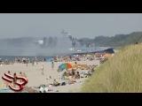 Военные вторгаются на пляж, потому что увидели там гея
