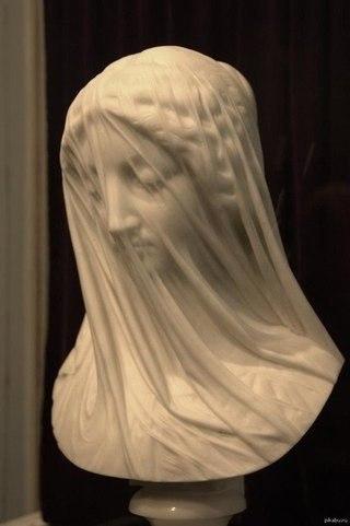 Бюст Девы Марии в исполнении Джованни Страцца