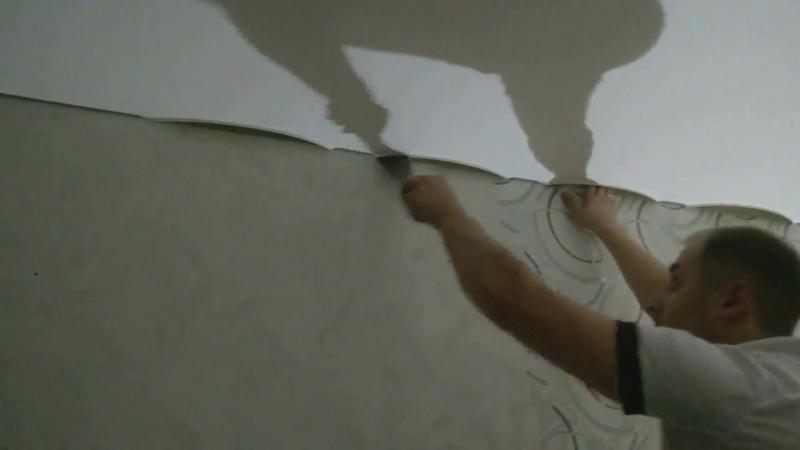 Сатиновый натяжной потолок в коридор
