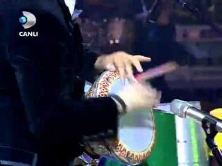 Mustafa Ceceli Ritim Darbuka Solo - Beyaz Show 15 Aralık 2012