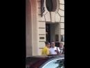 Белла покидает отель «Royal Monceau», Париж (20.06.18)