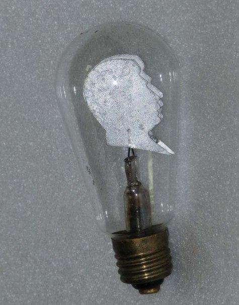 Самая крутая лампочка СССР. Образ Сталина вместо нити накаливания. Рар