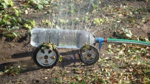 Ideas para el hogar: Regador de jardín reciclado