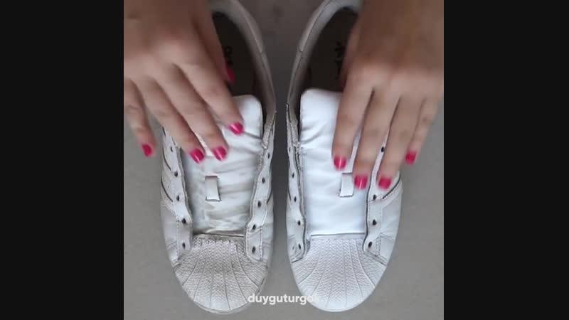 Как вернуть белым кроссовкам их первоначальный цвет! ☝😉