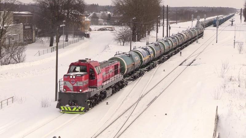 Тепловоз ТЭМ ТМХ 073 и Штадлерский дизель поезд 2314 TEM TMH 073 and Stadler DMU 2314