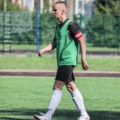 Артем Николаев