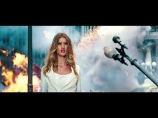 Нарезка лучших моментов мировых премьер 2010-2013 годов (Жанры: Боевик, триллер, фантастика) [ http://vk.com/worldoftrailers ]