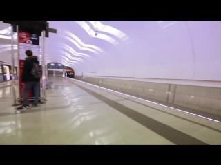 Флешмоб Mannequin Challenge провели в московском метро