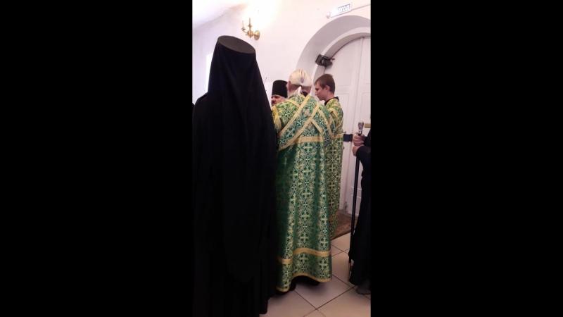 Начало Архиерейской службы. Свято-Духов монастырь