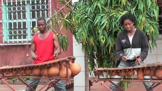 Sali Diabate on the Jula (Dioula) balafon.