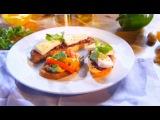 Два с половиной повара. Открытая кухня. Выпуск 48: брускетты - с грибами и песто из петрушки и сыром бри и клюквенным мармеладом. И еще одно очень необычное блюдо - мешочек из лосося с савойской капустой.