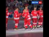 Владимир Путин посетил турнир Ночной хоккейной лиги в Сочи.