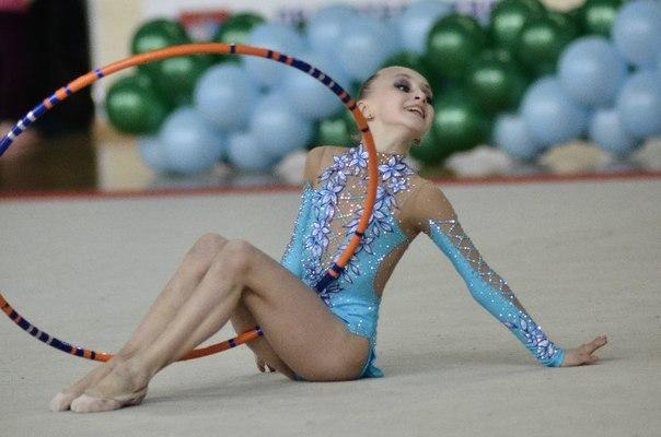 Юная гимнастка валерия