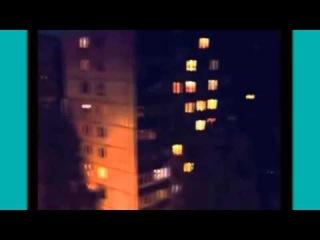 Ужас! Мутант-паук ползет по стене жилого дома
