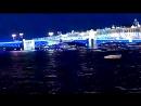 Движение водного транспорта по реке Нева перед разводом моста