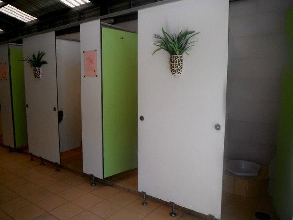 Чистый туалет на заправке в Таиланде
